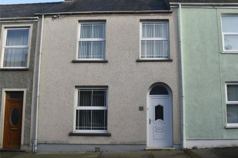 Gwyther Street, Pembroke Dock, Pembrokeshire, SA72. 3 bedroom terraced house for sale