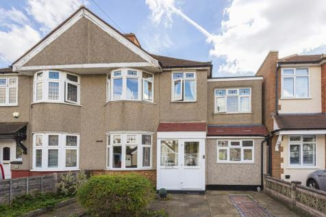 Blenheim Road Sidcup DA15. 4 bedroom semi-detached house