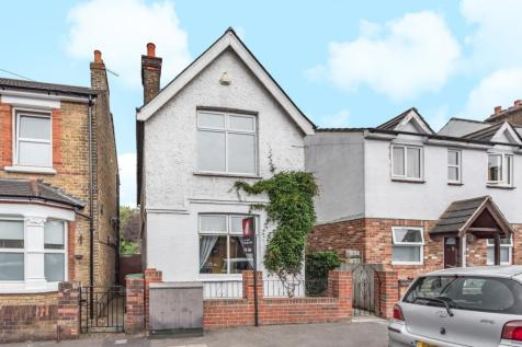 Warwick Road Sidcup DA14. 3 bedroom detached house
