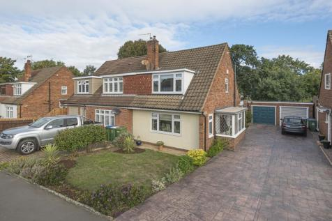 Appledore Crescent Sidcup DA14. 3 bedroom semi-detached house
