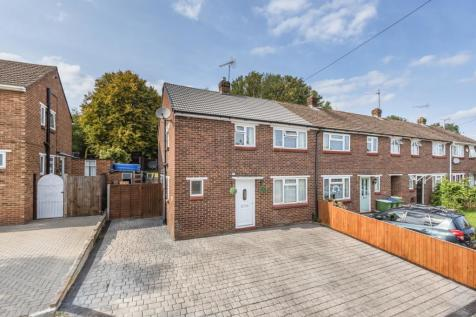 Cleve Road Sidcup DA14. 3 bedroom end of terrace house