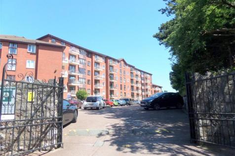Princess Court, Marine Road, Colwyn Bay, LL29. 2 bedroom apartment