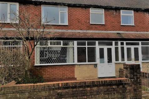 Parkside Road, St Annes, Lancashire, FY8. 3 bedroom terraced house