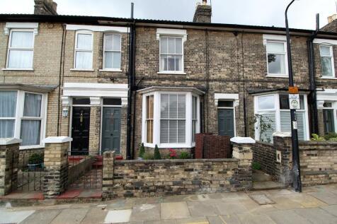 Cardigan Street, Ipswich. 3 bedroom semi-detached house