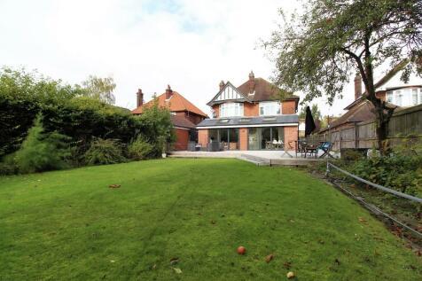 Valley Road, Ipswich. 4 bedroom detached house for sale