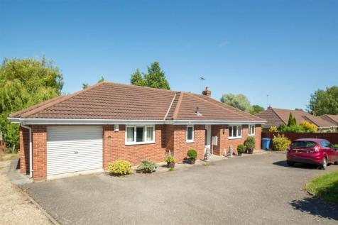 Withersfield Road, Haverhill. 3 bedroom detached bungalow