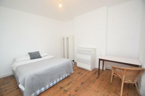 Wellington Terrace, Falmouth. 4 bedroom terraced house