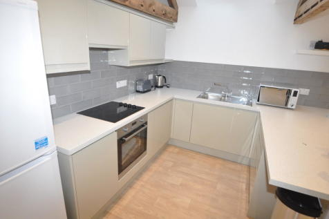 Well Lane, Falmouth. 3 bedroom apartment