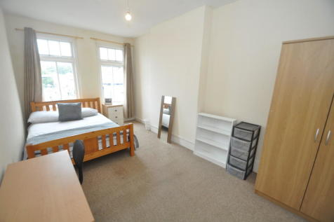 Berkeley Vale, Falmouth. 4 bedroom apartment