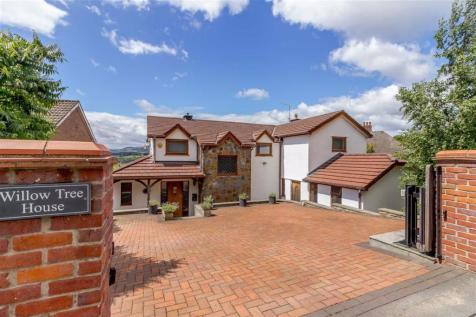 Caerleon Road, Llanfrechfa, Torfaen. 5 bedroom detached house