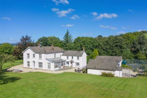 Llantrisant, Usk, Monmouthshire. 6 bedroom detached house