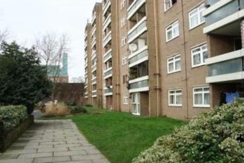 Hanover Court, Cambridge CB2 1JH. 2 bedroom flat