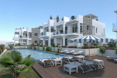 Crete, Lasithi, Makrygialos. Commercial property
