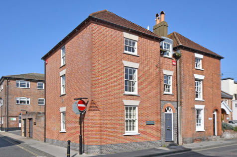 Beaumont House, St Johns Street, Chichester. 3 bedroom house for sale