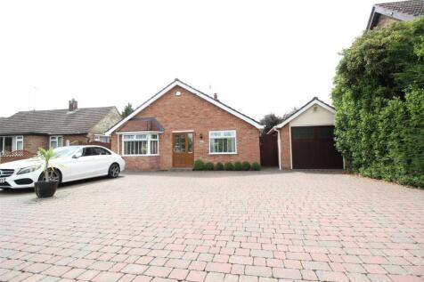 Henley Road, Ipswich. 3 bedroom detached bungalow