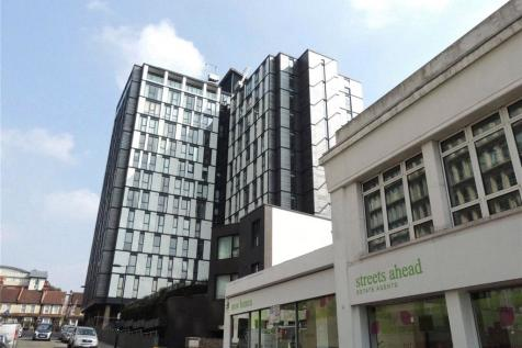 Centrillion Point, 2 Masons Avenue, Croydon, CR0. 1 bedroom apartment