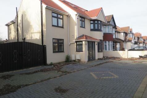 Heston Road, Hounslow. 7 bedroom semi-detached house