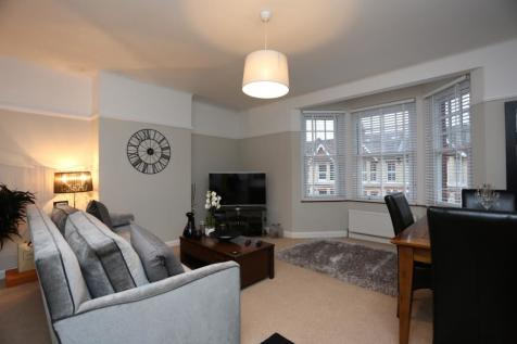 Worcester Villas, Hove. 1 bedroom flat