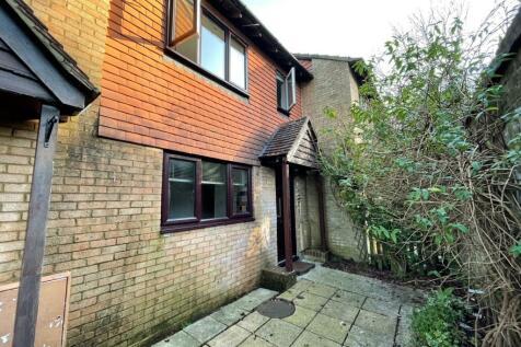 Tollwood Park, Crowborough. 3 bedroom terraced house