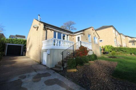 Wellgarth, Halifax. 3 bedroom detached bungalow for sale