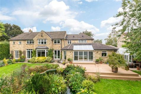 Shaw Barn Lane, Wetherby, West Yorkshire, LS22. 3 bedroom detached house for sale