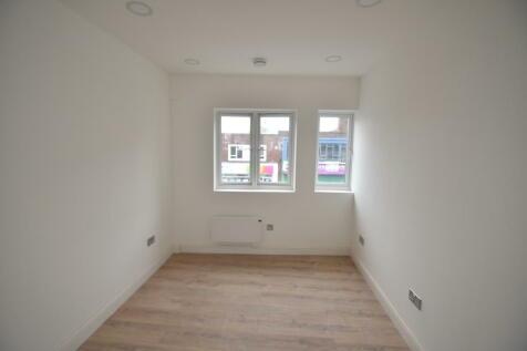 London Road, Highstreet. 1 bedroom apartment