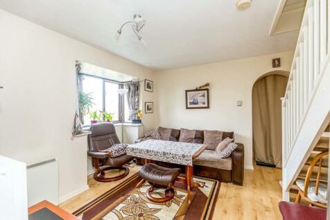 Wavendon Gate, Milton Keynes. 1 bedroom semi-detached house