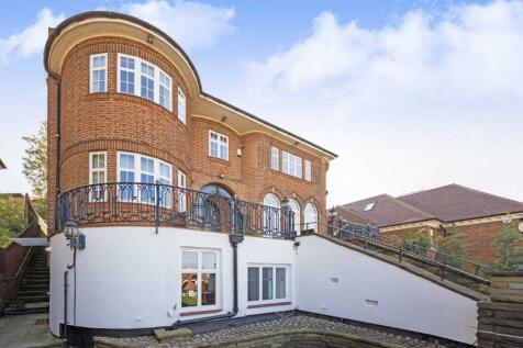 West Heath Road, London. 1 bedroom flat