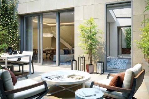 Lillie Square, Earls Court, London, SW6. 3 bedroom property