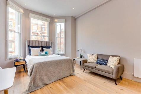 The Philbeach Collection, Warwick Road, Earls Court, London, SW5. Studio apartment