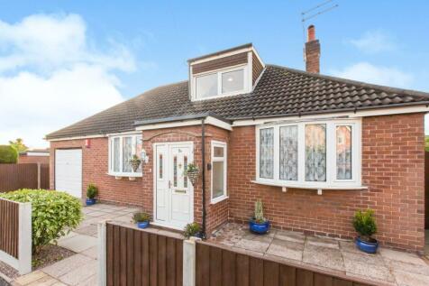 Victoria Avenue, Haslington, Cheshire, CW1. 3 bedroom bungalow for sale