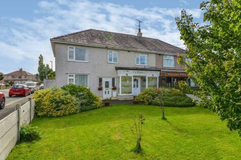 Torrisholme Road, Lancaster, Lancashire, United Kingdom, LA1. 5 bedroom semi-detached house for sale