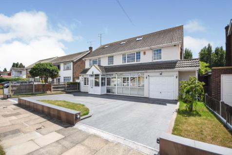 Wyatts Drive, Thorpe Bay, Essex, ., SS1. 6 bedroom detached house for sale