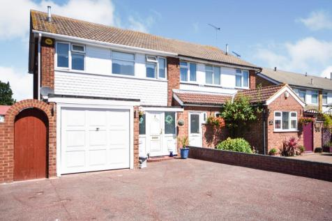 Lee Lotts, Great Wakering, Southend-on-Sea, Essex, SS3. 3 bedroom semi-detached house for sale