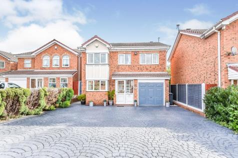 St. Catherines Close, Walsall, ., WS1. 5 bedroom detached house
