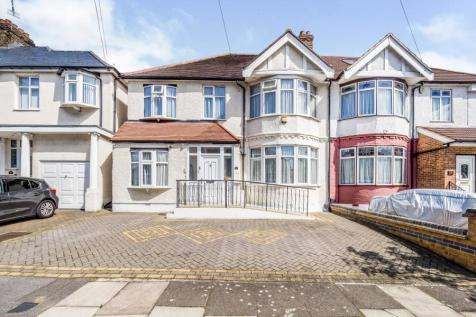 Rosemary Drive, Ilford, IG4. 5 bedroom semi-detached house