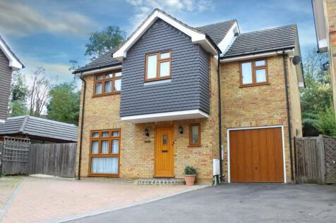 Carswell Close, Redbridge, Ilford, Essex, IG4. 4 bedroom detached house for sale