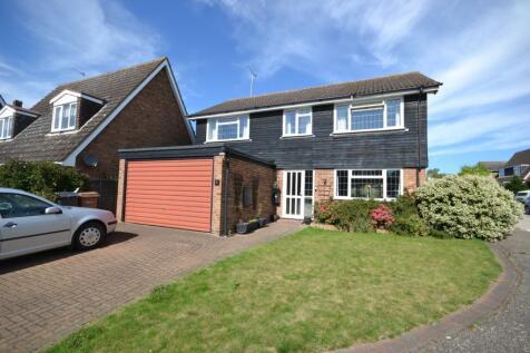 Blenheim Close, Danbury, Chelmsford, Essex, CM3. 4 bedroom detached house