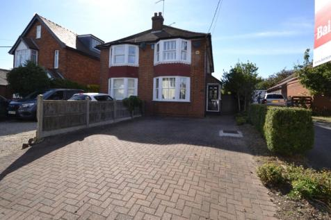 Chapel Road, Burnham-on-Crouch, Essex, CM0. 3 bedroom semi-detached house