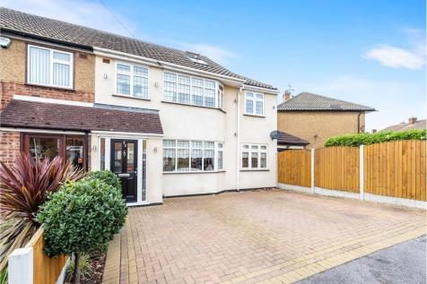 Glenton Close, Rise Park, Romford, Havering, RM1. 4 bedroom semi-detached house for sale