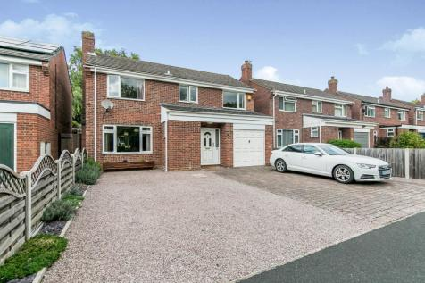 Chaucer Road, Sudbury, Suffolk, CO10. 4 bedroom detached house