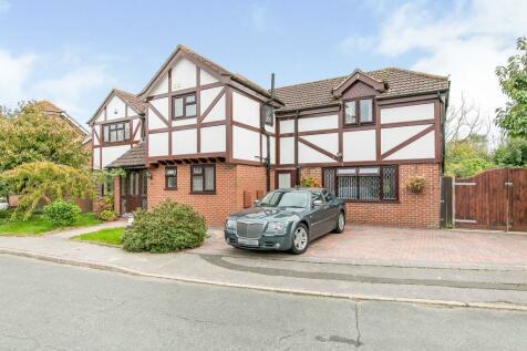 Davidson Close, Great Cornard, Sudbury, Suffolk, CO10. 5 bedroom detached house