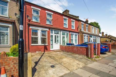 North Road, Southall, London, Uk, UB1. 3 bedroom semi-detached house for sale