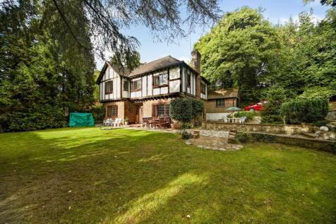 Godstone Road, Caterham, Surrey, ., CR3. 4 bedroom detached house