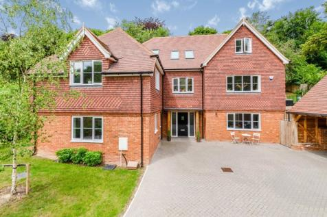 40A, Welcomes Road, Kenley, CR8. 5 bedroom detached house