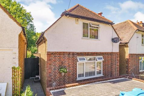 Downsway, Whyteleafe, Surrey, ., CR3. 2 bedroom detached house