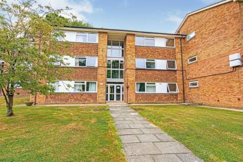 Hillside Road, Whyteleafe, Surrey, ., CR3. 2 bedroom flat