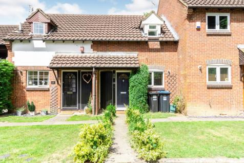 Hill View, Whyteleafe, Surrey, ., CR3. 1 bedroom terraced house