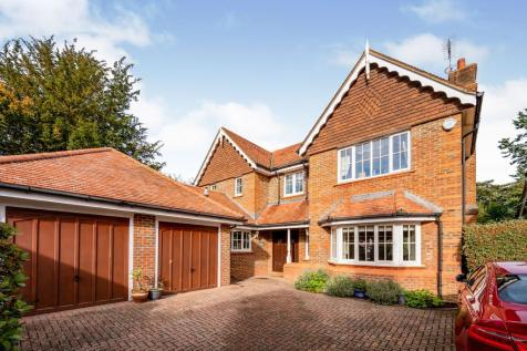 Mayfield, Leatherhead, Surrey, KT22. 4 bedroom detached house for sale