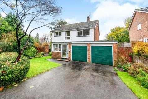 Drayton Close, Fetcham, Leatherhead, Surrey, KT22. 4 bedroom detached house for sale
